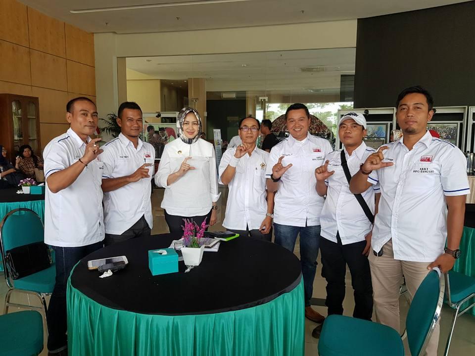 DPD AKKI Tangsel saat beraudensi dengan Walikota Tangsel Airin Rachmi Diany