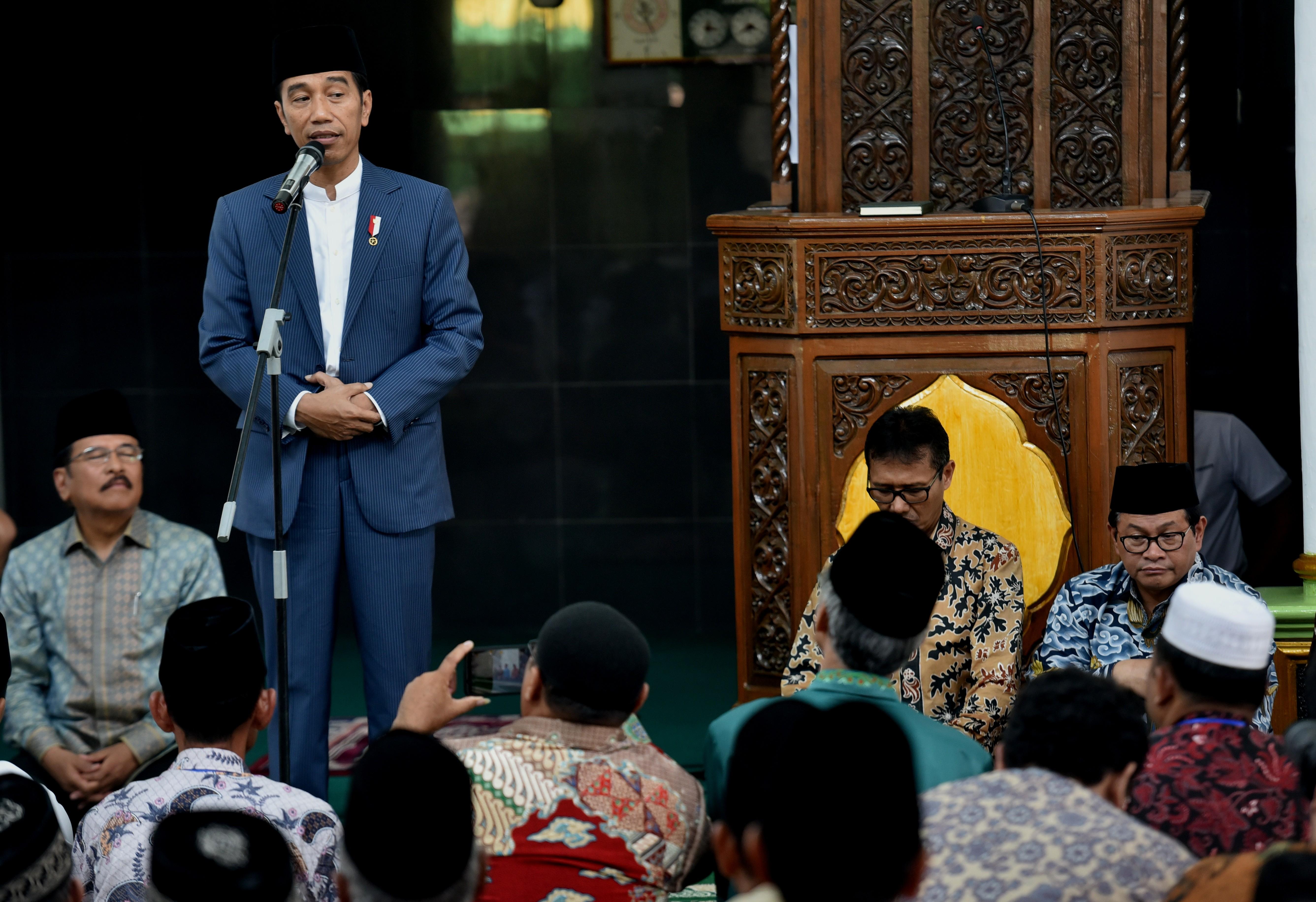Anggap Dipolitisasi, Presiden Jokowi Tegaskan Perpres Justru Perketat Masuknya Tenaga Kerja Asing