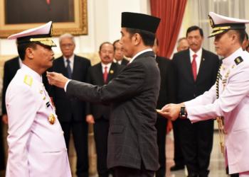 Presiden Jokowi Lantik Siwi Sukma Adji Sebagai KSAL dan Sunarto Jadi Wakil Ketua MA
