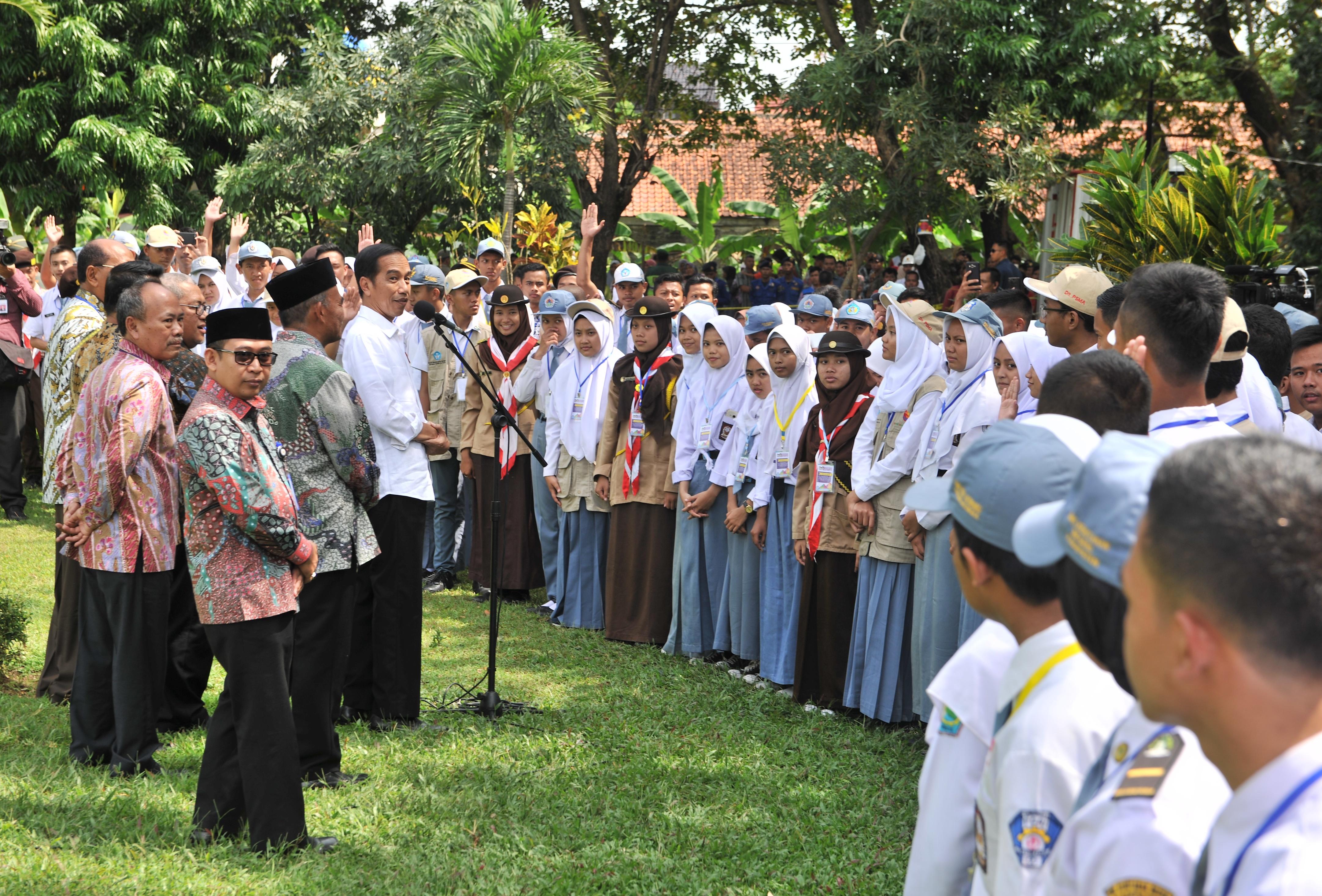 Jangan Saling Hujat, Presiden Jokowi: Gunakan Medsos Untuk Hal Yang Positif