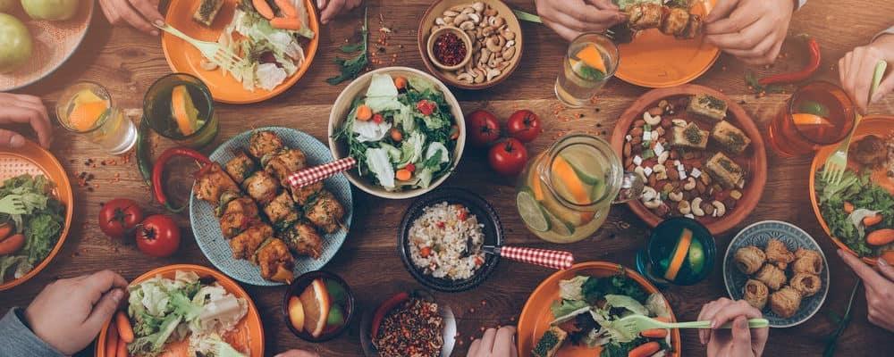 5 Makanan yang Sebaiknya Dihindari Saat Sahur