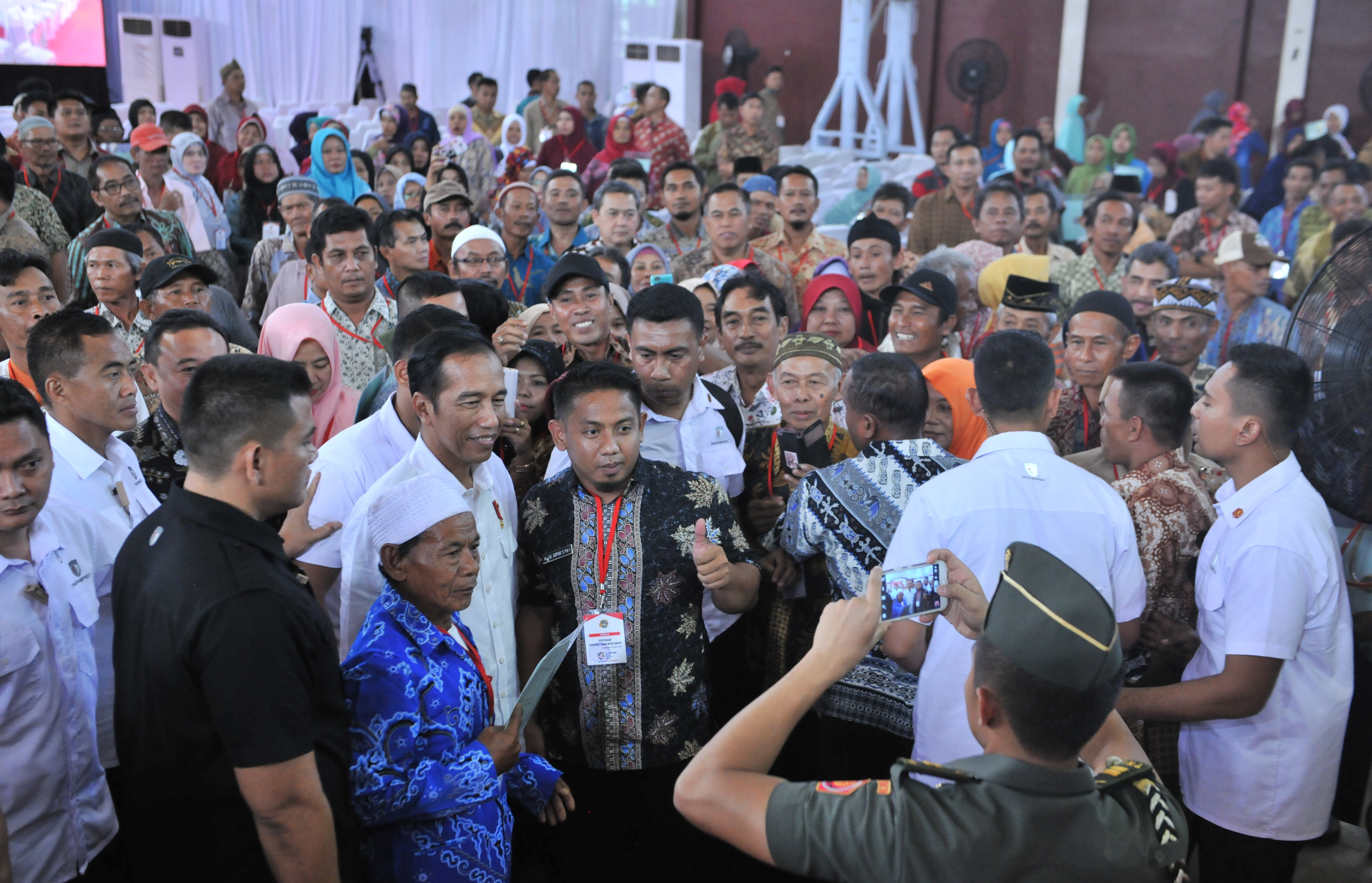 Ajak Jaga Persaudaraan, Presiden Jokowi: Jangan Sampai Dipanas-panasi Oleh Politisi