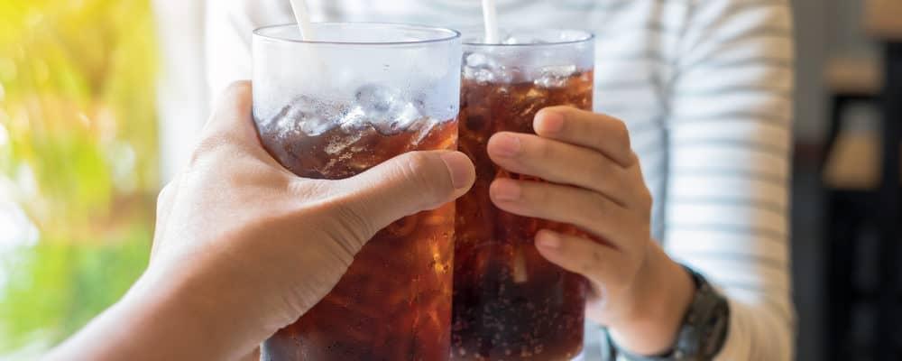 Meski Segar, Buka Puasa Sebaiknya Jangan Dengan Minuman Bersoda