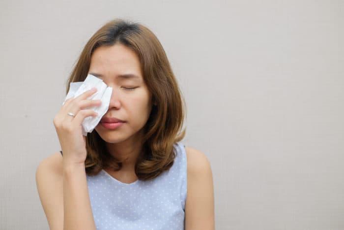 sakit kelenjar air mata