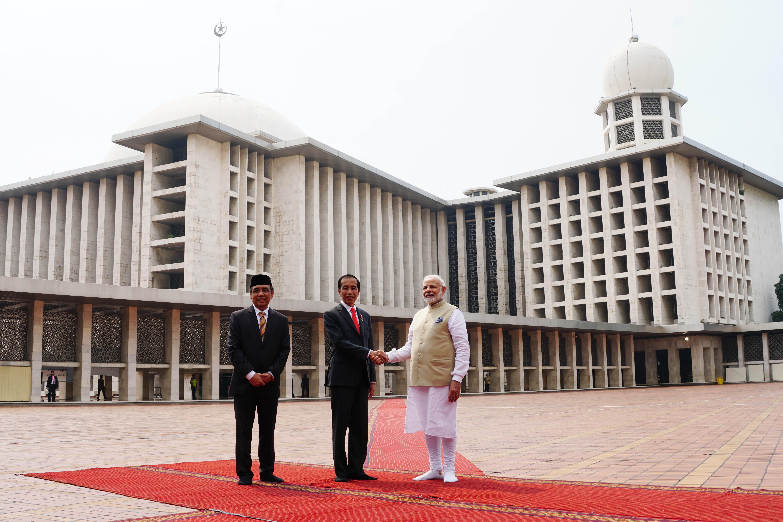 Didampingi Presiden Jokowi, PM Narendra Modi Tinjau Masjid Istiqlal