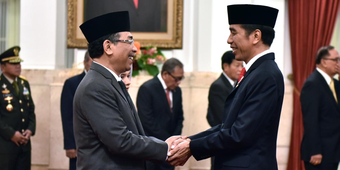 Presiden Jokowi Lantik Yahya C. Staquf Jadi Anggota Wantimpres