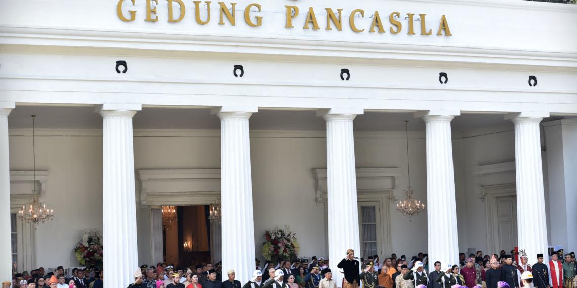 Kenakan Baju Adat, Presiden Jokowi dan Para Pejabat Negara Hadiri Upacara Hari Lahir Pancasila