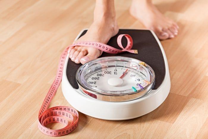 waktu terbaik menimbang berat badan