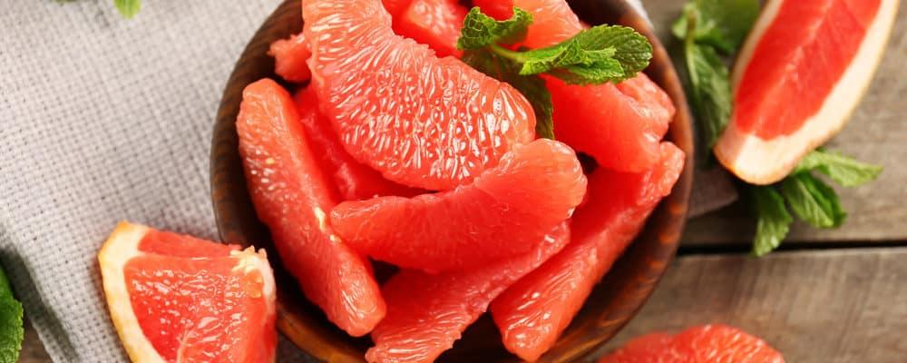 7 Khasiat Baik Jika Rutin Makan Jeruk Bali Merah (Grapefruit)