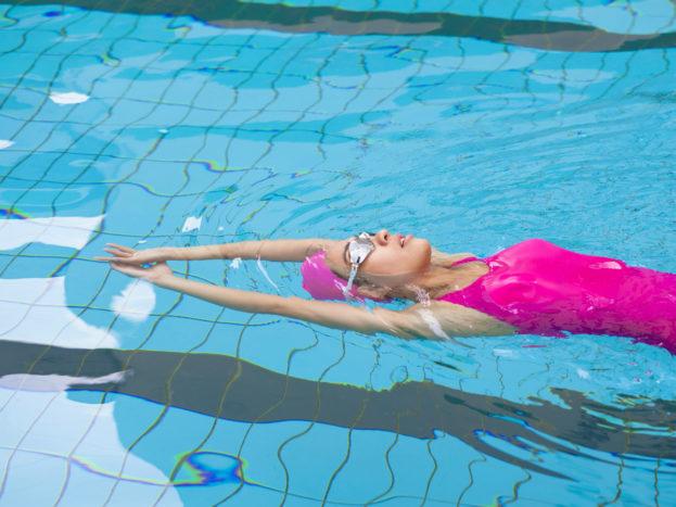 manfaat berenang untuk sakit punggung bawah