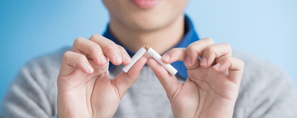 Waspada, Ini Bahaya Langsung Merokok Saat Buka Puasa