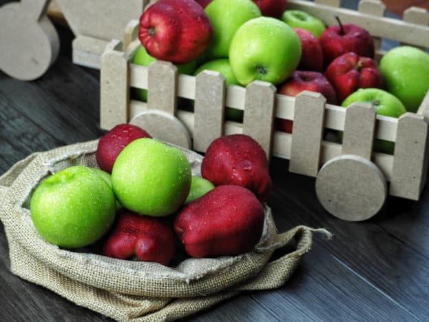 apel merah dan apel hijau