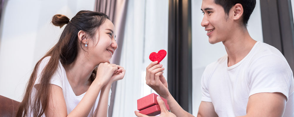 Siapa Sih yang Lebih Romantis, Pria Ataukah Wanita? Ini Kata Penelitian