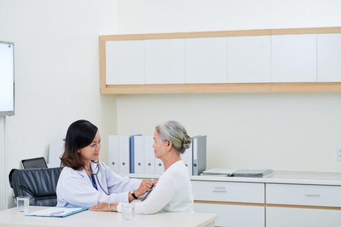periksa kesehatan bagi lansia