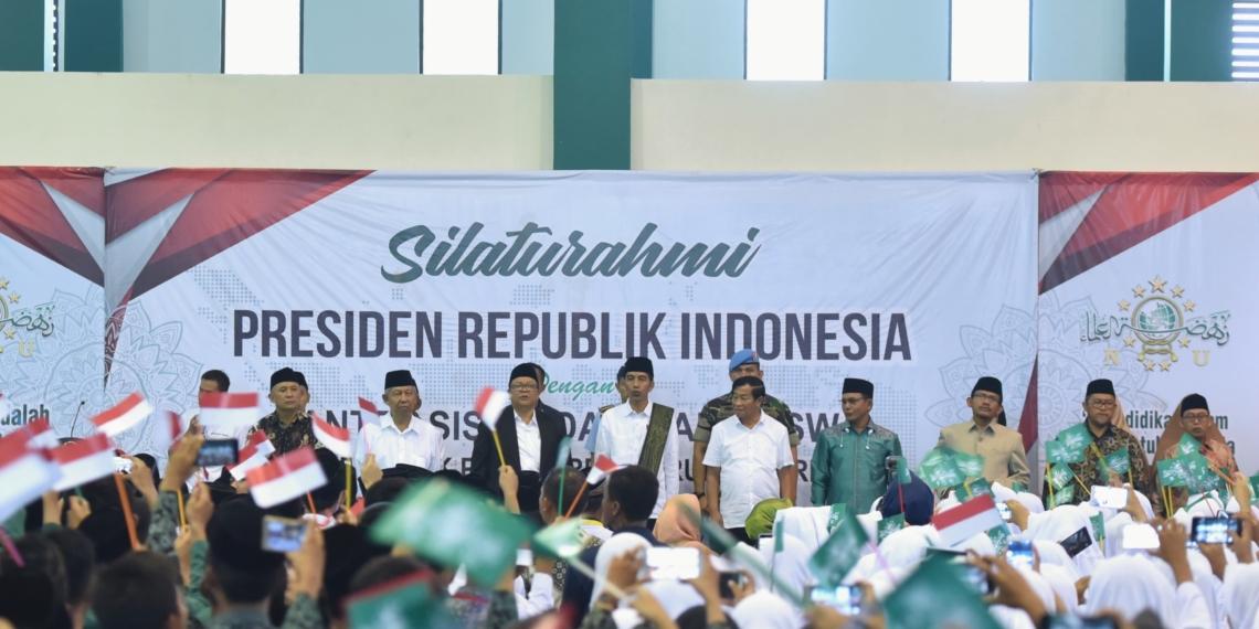 Presiden Jokowi Sanggupi Bangun Rusun 3 Lantai di Ponpes Darul Ma'arif, Indramayu