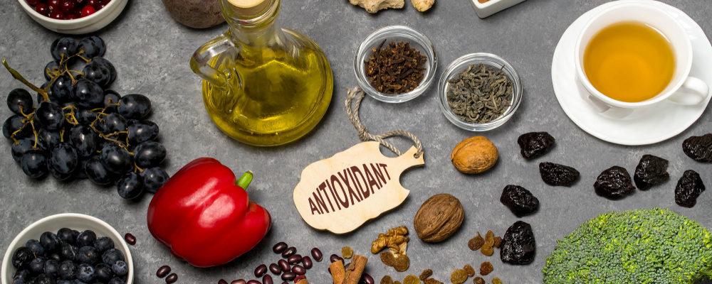 7 Makanan Sumber Antioksidan Tinggi untuk Lawan Radikal Bebas