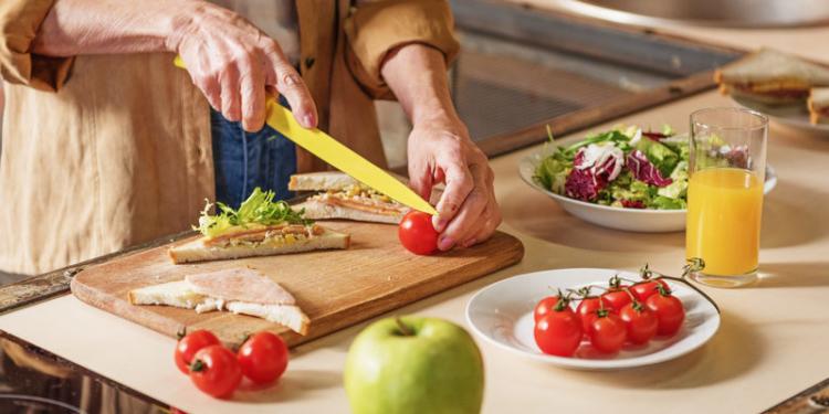 Apakah Lansia Boleh Melakukan Diet?