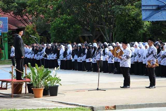 Aksi Solidaritas PGRI, Galang Dana THR untuk Honorer