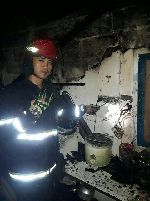 Korsleting Listrik, Rumah Ludes Terbakar