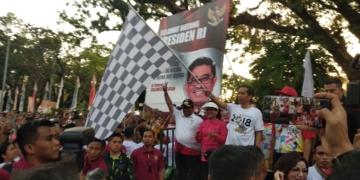 Presiden Jokowi dan Ibu Negara Jalan Sehat Bersama Ratusan Ribu Warga Sulsel
