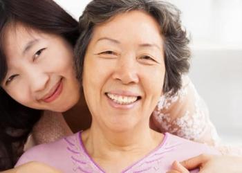 5 Kiat yang Bisa Anda Lakukan untuk Mencegah Gigi Ompong Saat Tua Nanti