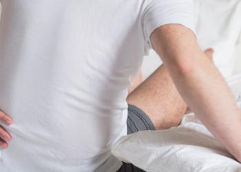 5 Cara Mengobati Nyeri Sciatica, dari Pakai Obat Sampai Terapi Alternatif
