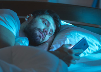 """""""Hobi"""" Lanjut Kerja Lembur di Rumah Bikin Anda Tak Pernah Tidur Nyenyak, Kata Peneliti"""