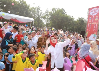 Hari Anak Nasional, Airin Senam Bareng 1.000 Anak