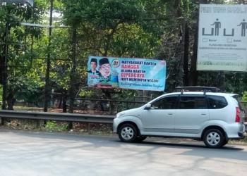 Dipasang Kaukus Ibu Rumah Tangga, Spanduk Dukungan Jokowi-Ma'ruf Bertebaran di Banten