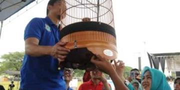 Walikota Tangsel Airin Rachmi Diany Buka Lomba Burung Berkicau