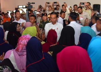 Presiden Jokowi Ingatkan Penerima PKH Agar Nomor Satukan Pendidikan Anak