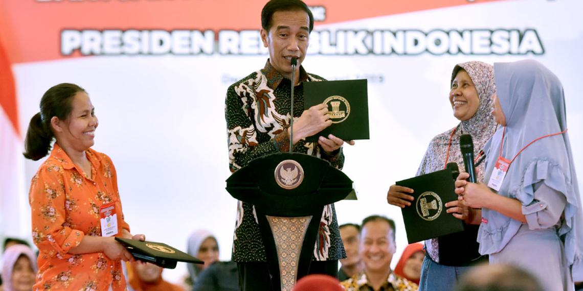 Rumahnya Pernah Digusur, Presiden Jokowi: Kalau Ingat, Saya Sedih