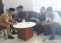 Ratusan karyawan di Karawang tak terima gaji tiga bulan