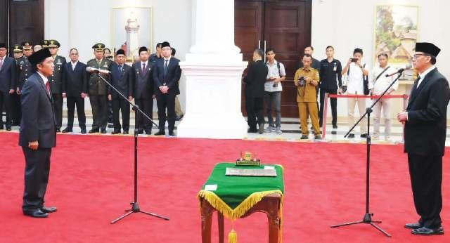 Setelah Dilantik oleh Gubernur WH, Sekda Al Muktabar Langsung Kerja