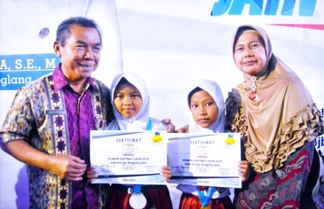 Bintang Sains Kecamatan Sukaresmi: Siswi Asal Pedalaman Masuk Finalis