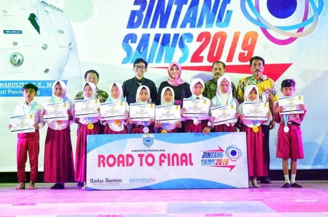 Bintang Sains Kecamatan Sumur: Dua Korban Tsunami Masuk Final