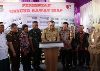 Bupati Tangerang A. Zaki Iskandar meresmikan gedung rawat inap 4 lantai di RSUD Balaraja, Senin, (23/12/2019).