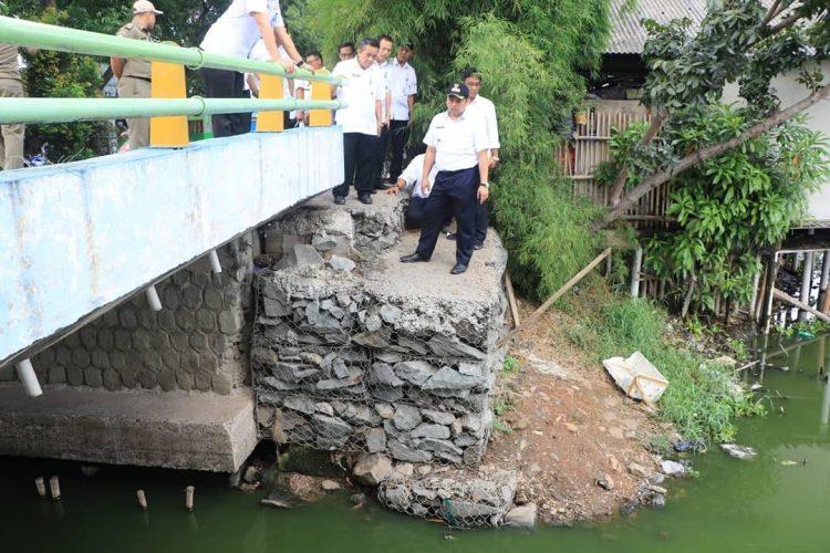 Walikota Tangerang Arief R Wismansyah pantau proyek pengendali banjir. (Ist)