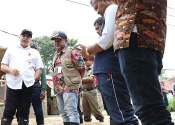 Bupati Tangerang Zaki Iskandar pantau banjir. (Ist)