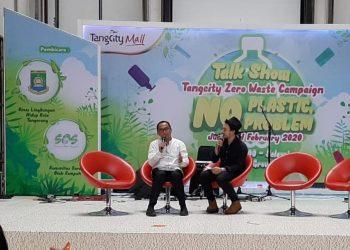 Diskusi diet plastik di Tangcity Mall. (Ist)
