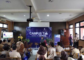 Campus Talk Goes To School UMB di SMK Prima Unggul. (RAY)
