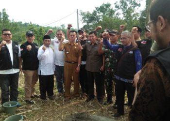 Peletakan batu pertama Integrated Community Shelter  ACT. (KEY)