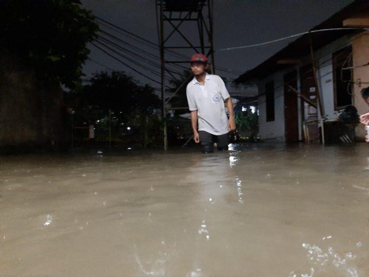 Banjir di PErumahaan Rooswood, Ciputat, Kota Tangsel. (PHD)