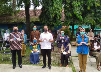 Bantuan sosial dari Kemensos untuk warga Kota Tangsel. (PHD)