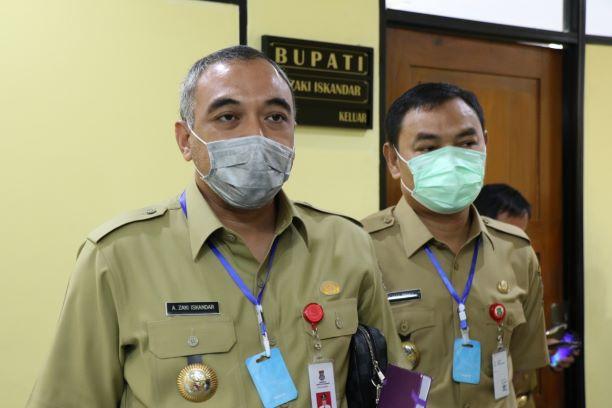 Bupati Tangerang Ahmed Zaki Iskandar didampingi Wakil Bupati Mad Romli. (IST)