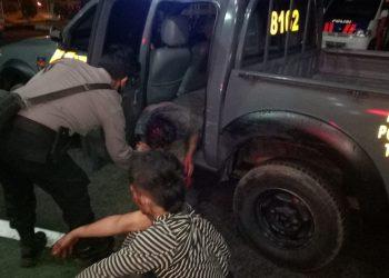 Dua pelaku pencurian kendaraan bermotor saat diamankan Polsek Serpong. (IST)