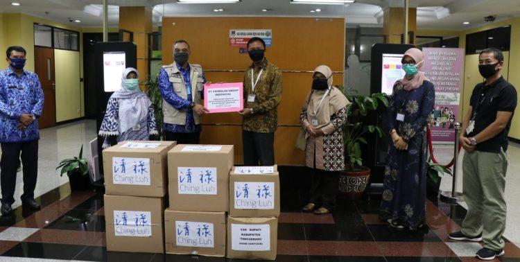 Penerimaan bantuan Covid-19 dari berbagai perusahaan di Tangerang. (IST)