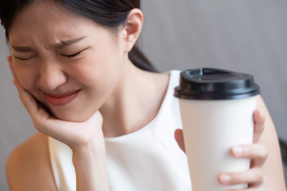 mengatasi gigi ngilu sensitif