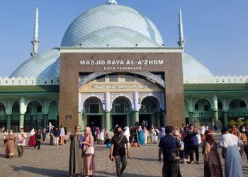 Masjid Al Azhom Kota Tangerang. (KEY)