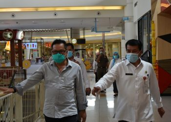 Sekda Kabupaten Tangerang saat sidak di Aeon Mall BSD. (IST)